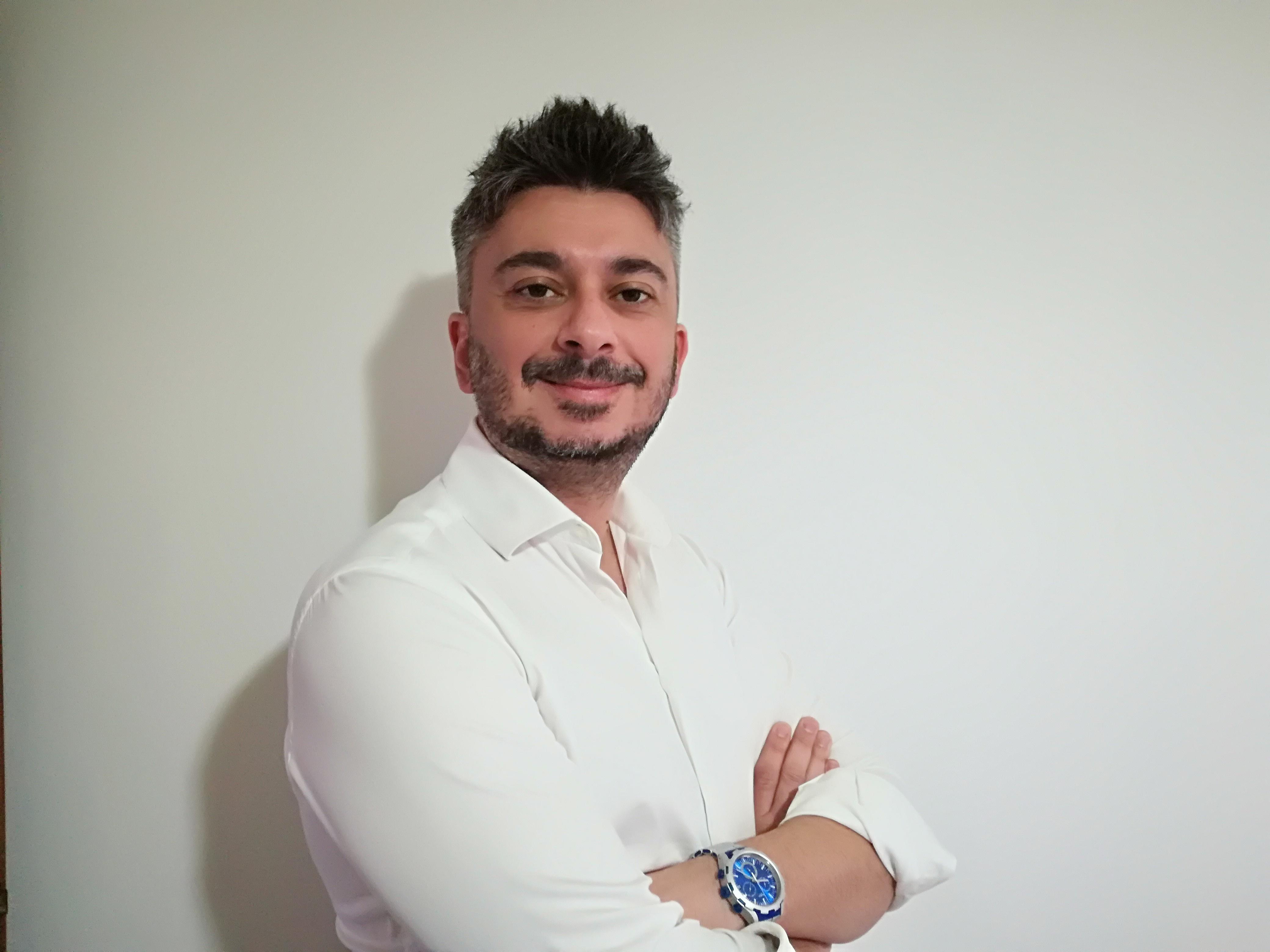 SERGIO DE NAPOLI WEBDESIGNER E GIORNALISTA